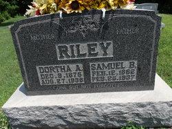 Dortha A Riley