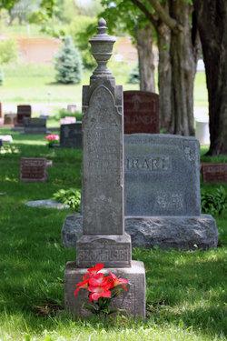 Augusta W <i>Haase</i> Strohbusch