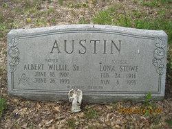 Lona <i>Stowe</i> Austin