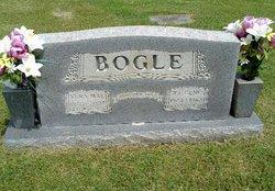 Vera Mae <i>Dodson</i> Bogle