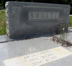 Arlie Shultz