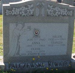 Helen Elizabeth <i>Palczewski</i> Kiwior
