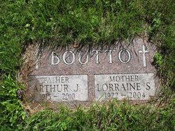 Arthur Julius Art Boutto