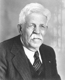 Lorenzo S Howe