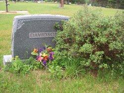 Lloyd E Davidson