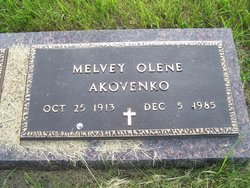 Melvey Olene <i>Sand</i> Akovenko