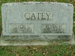 Clyde L Catey