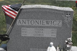 Tekla <i>Sawicki</i> Antoniewicz