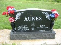 Betty <i>Hauskins</i> Aukes