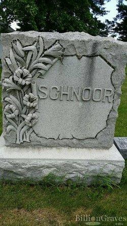 Emma <i>Schlotfelt</i> Schnoor