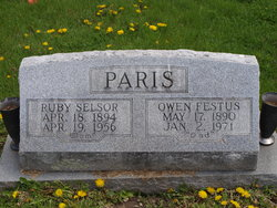Ruby Annis <i>Selsor</i> Paris