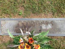 Luna <i>Capps</i> Bridgers