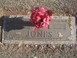 Mona Mae <i>Bledsoe</i> Jones