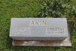 Dorothy <i>Lee</i> Akin