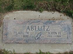 Pearl Winnifred <i>Nelson</i> Ablutz