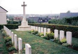 Le Grand-Luce War Cemetery
