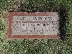 Mary Evelyn <i>Skerski</i> Sniegolski