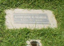 Katherine E Hearst