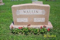 Evelyn <i>Lantz</i> Wallin