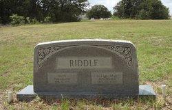 Della Mae <i>Phillips</i> Riddle