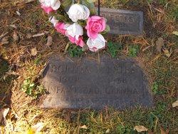 Lillian Dortha <i>Henthorn</i> Estes