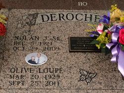 Olive <i>Loupe</i> Deroche
