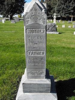 Susan Elizabeth <i>Schadt</i> Dixon