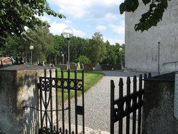 Naverstad Kyrkog�rd