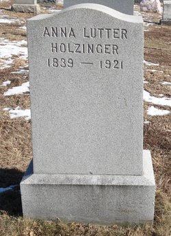 Anna <i>Lutter</i> Holzinger
