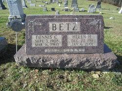 Helen H <i>Hoyer</i> Betz