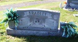 Gladys L. <i>Bussell</i> Bradley