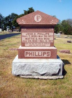 Martha Elizabeth Mattie <i>Wood</i> Phillips