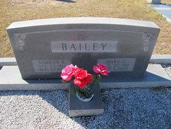 Stanley E Bailey