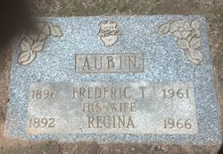 Regina <i>Levesque</i> Aubin