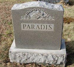 Annie R Paradis
