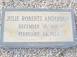 Julie <i>Roberts</i> Anderson