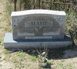 Santos <i>P�rez</i> Alaniz