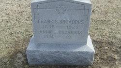Annie L Broaddus
