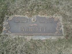 Anna M Abbott