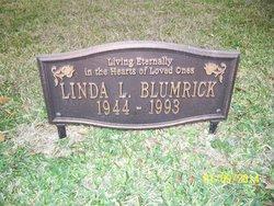 Linda L Blumrick