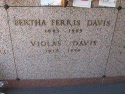 Violas Davis
