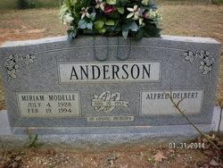 Mirian Modelle <i>Todd</i> Anderson