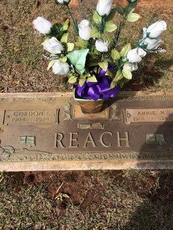 Gordon E Reach