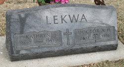 Kathryn Ruth <i>Ogden</i> Lekwa