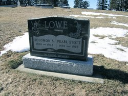 Pearl <i>Stott</i> Lowe