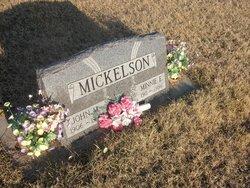 Minnie E Mickelson
