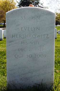 Evelyn <i>Hershkowitz</i> Fischer
