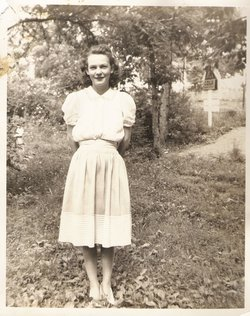 Virginia Dale <i>Mays</i> Warner