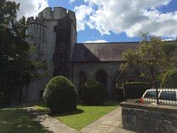 Cowbridge Holy Cross Churchyard