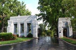New Mount Sinai Cemetery & Mausoleum